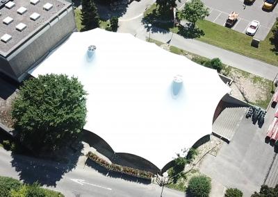 Verankerung eines großen Sonnensegels, Crissier – Schweiz